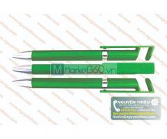 Bút bi tại nhà cung cấp Nguyên Thiệu đa dạng, nhiều mẫu với các kiểu dáng và nhiều mức giá bút bi