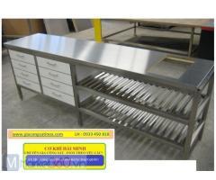 Tìm cơ sở uy tín, chất lượng để mua bàn.inox công nghiệp