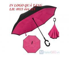 Cung cấp dù cầm tay in logo công ty quà giá rẻ tại Quảng Nam