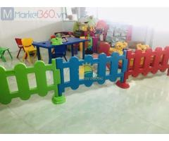 Hàng rào nhựa tạo không gian vui chơi