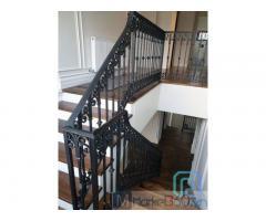 Cầu thang cắt CNC nghệ thuật, sơn epoxy kiểu dáng hiện đại hay cổ điển, nổi bật