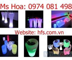 Bàn ghế nhựa led phát sáng trong bar khách sạn